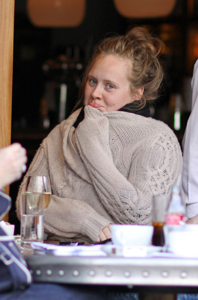 Adele - без косметики