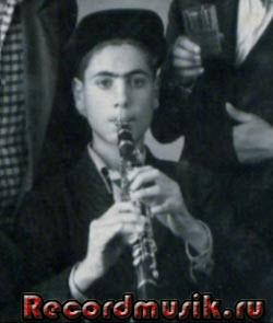Молодой Дживан Гаспарян