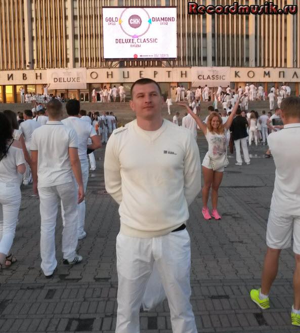 Отпуск в Санкт-Петербурге - идем на Sensation