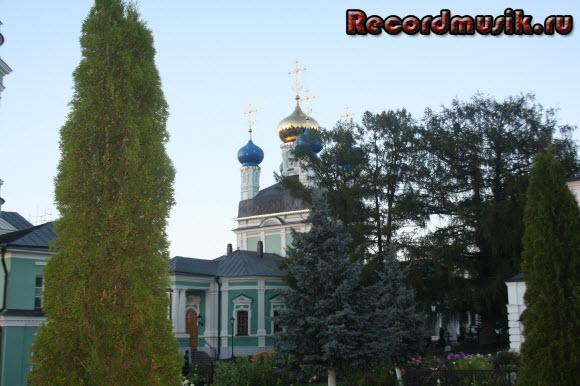 Отдых в Москве и Подмосковье - Оптина, храм