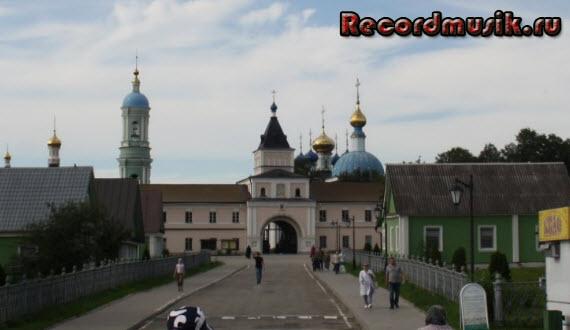 Отдых в Москве и Подмосковье - Оптина, центральные ворота