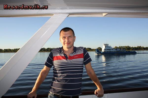 Мой отдых в нижегородской области - Нижний Новгород, прогулка по Волге, буксирующая баржа