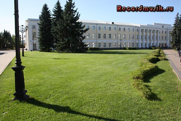 Мой отдых в нижегородской области - кремль, зеленый газон
