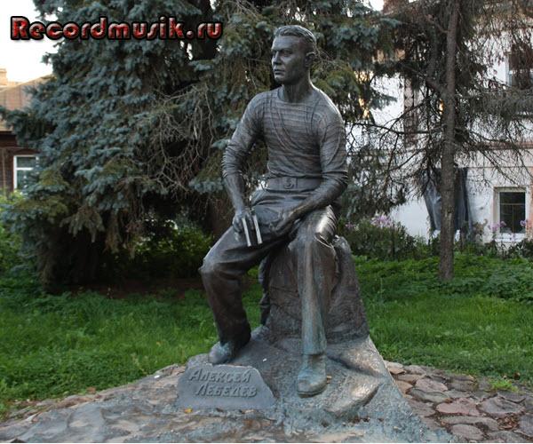 Мой отдых во Владимирской области - Суздаль, памятник Алексею Лебедеву